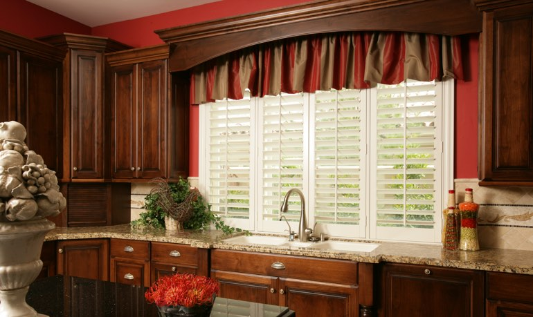 Gainesville kitchen shutter and cornice valance
