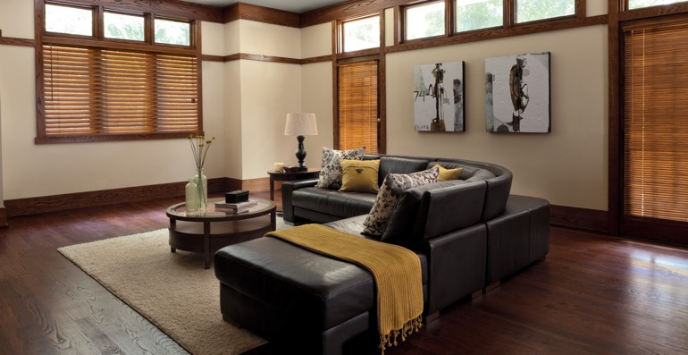 Gainesville hardwood floor and blinds
